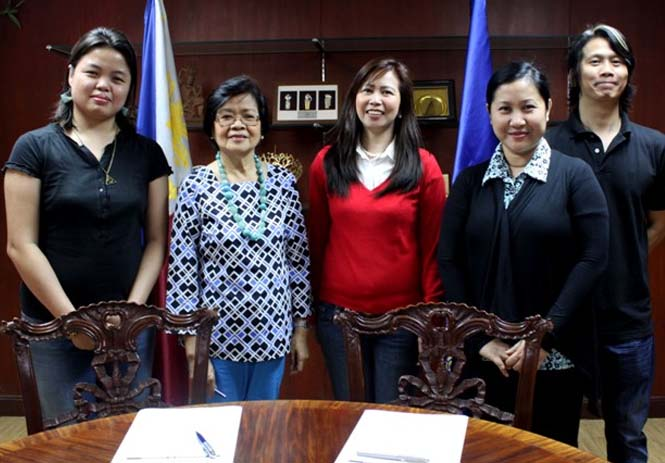 (From left) Carolle Adrianne D. Manalastas, NCCA Culture and Arts Officer; Emelita V. Almosara, NCCA Former Executive Director; Betty Uy-Regala, ACAA Assistant Corporate Secretary; Mylene Urriza, NCCA Project Development Officer; and Michael Uy from the Art Republik production team. Photographed by Art Republik Assistant Director Denize Manalo